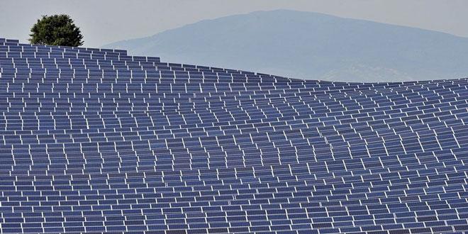 Οι παγκόσμιες επενδύσεις σε ηλιακή ενέργεια ξεπέρασαν αυτές σε ορυκτά καύσιμα το 2017