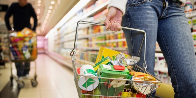 Μόλις το 15% των προϊόντων σουπερμάρκετ αφορά η μείωση του ΦΠΑ