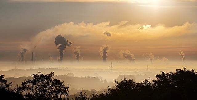 Η παγκόσμια παραγωγή άνθρακα σημείωσε τη μεγαλύτερη πτώση στην ιστορία