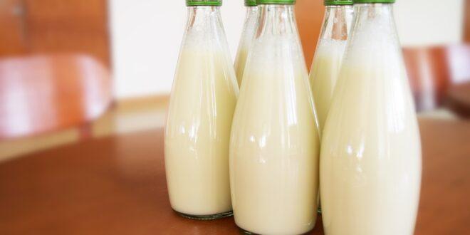 Σε δημόσια διαβούλευση τα μέτρα ελέγχου της αγοράς γάλακτος