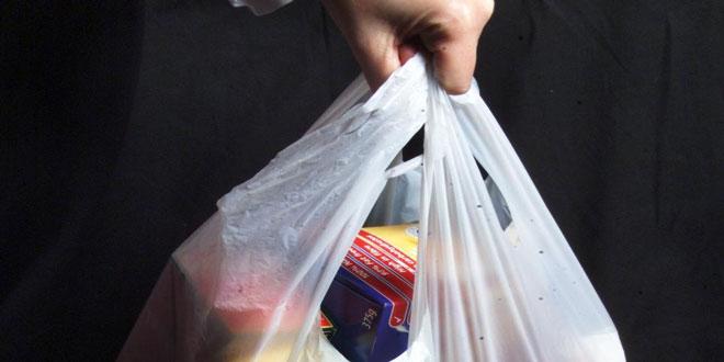 Διπλασιάζεται από το νέο έτος η τιμή της σακούλας